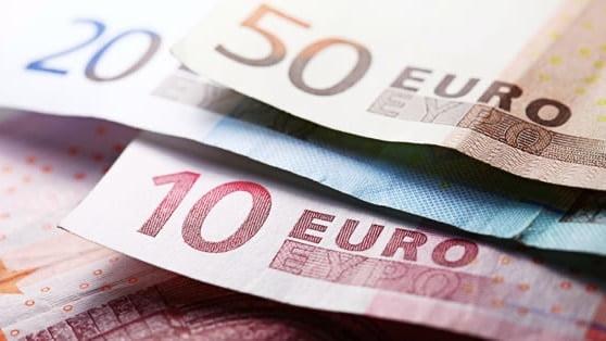 Tỷ giá ngày 13/3: ECB duy trì lãi suất âm, EUR mất giá