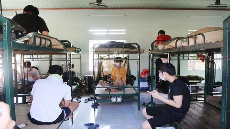 Covid-19 ngày 04/04: Đà Nẵng cách ly có thu phí người về từ Hà Nội và TP. HCM