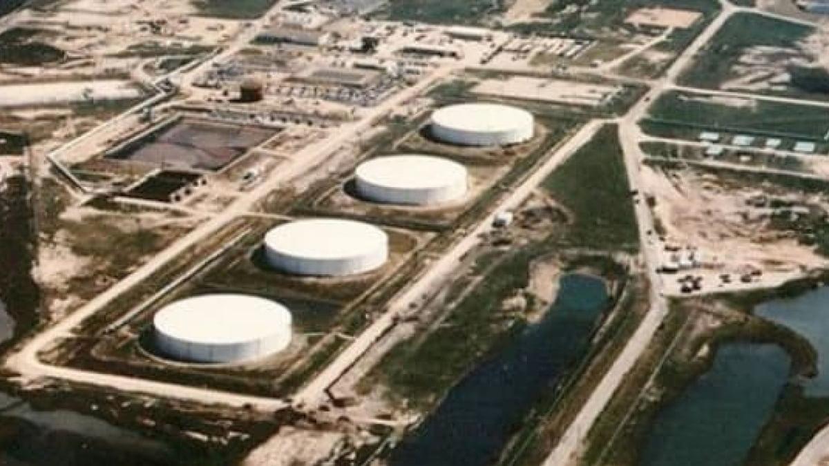 Giá dầu có thể rơi về mức âm 100 USD