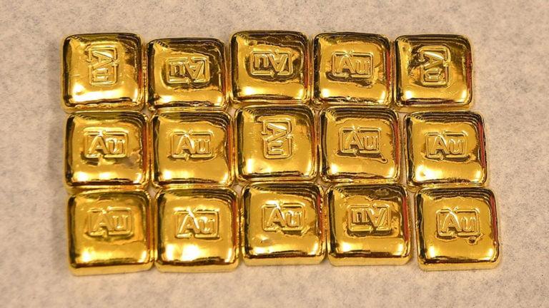 Giá vàng hôm nay 14/4: Đạt đỉnh 8 năm