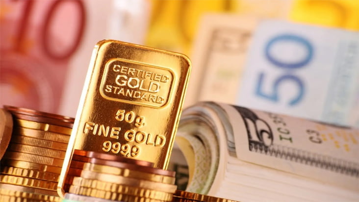Giá vàng ngày 2/4: Khó trở lại ngưỡng 1.600 USD dưới sức ép của đô la