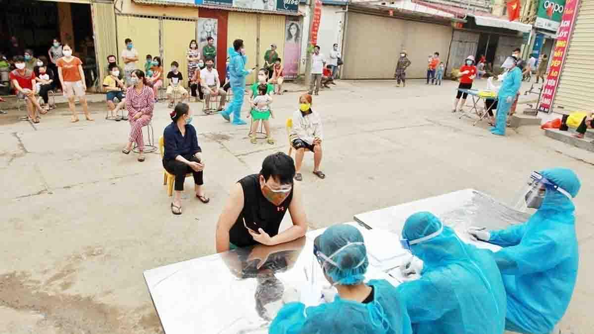 Thêm 2 ca mới ở ổ dịch Hạ Lôi, Việt Nam có 262 người mắc Covid-19