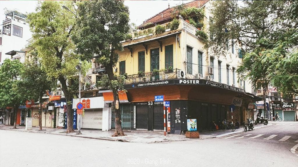 Một trong những khu phố từng nhộn nhịp của Hà Nội nay vắng tanh mùa Covid-19.
