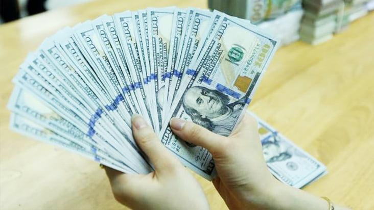 Tỷ giá ngoại tệ ngày 8/4: USD lại một lần nữa 'tỏa sáng'