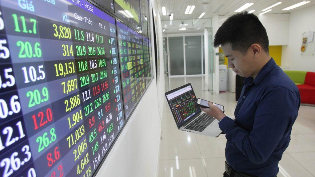Dòng tiền của nhà đầu tư mới: Mạnh và thông minh