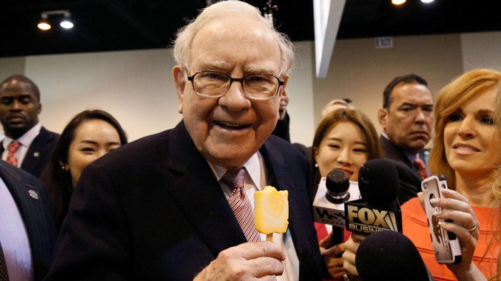 Warren Buffett nắm giữ số tiền mặt kỷ lục 137 tỷ USD