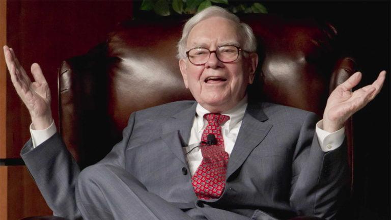 Lời khuyên của huyền thoại Warren Buffett cho các nhà đầu tư trẻ