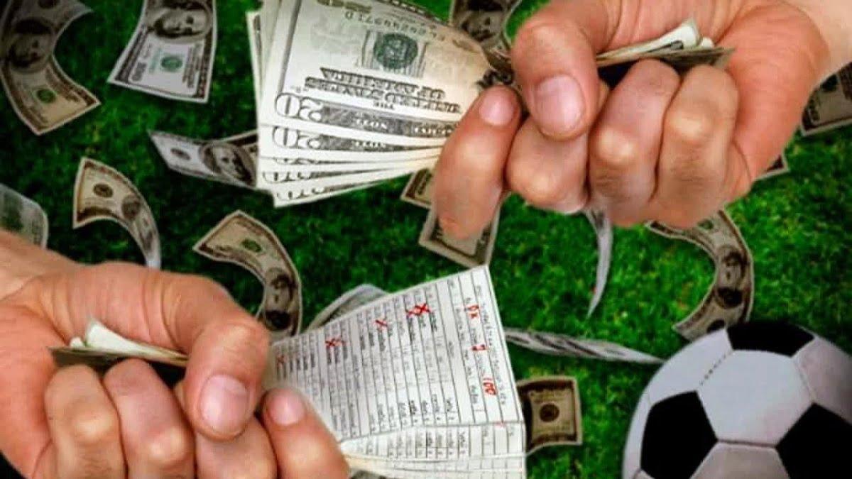 Không còn cá cược thể thao, người hâm mộ bóng đá chuyển sang đầu tư chứng khoán