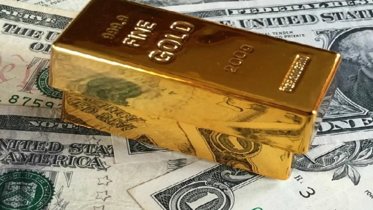 Giá vàng ngày 22/5: Lao dốc khi đồng USD 'phản công'