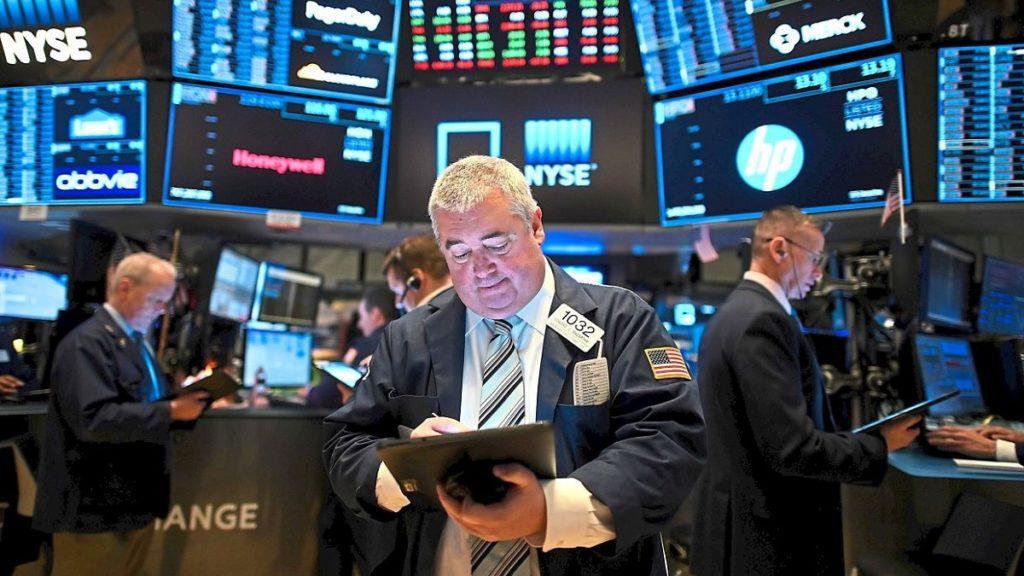 Nhiều cổ phiếu bị lãng quên khi dòng tiền tập trung vào nhóm vốn hóa lớn