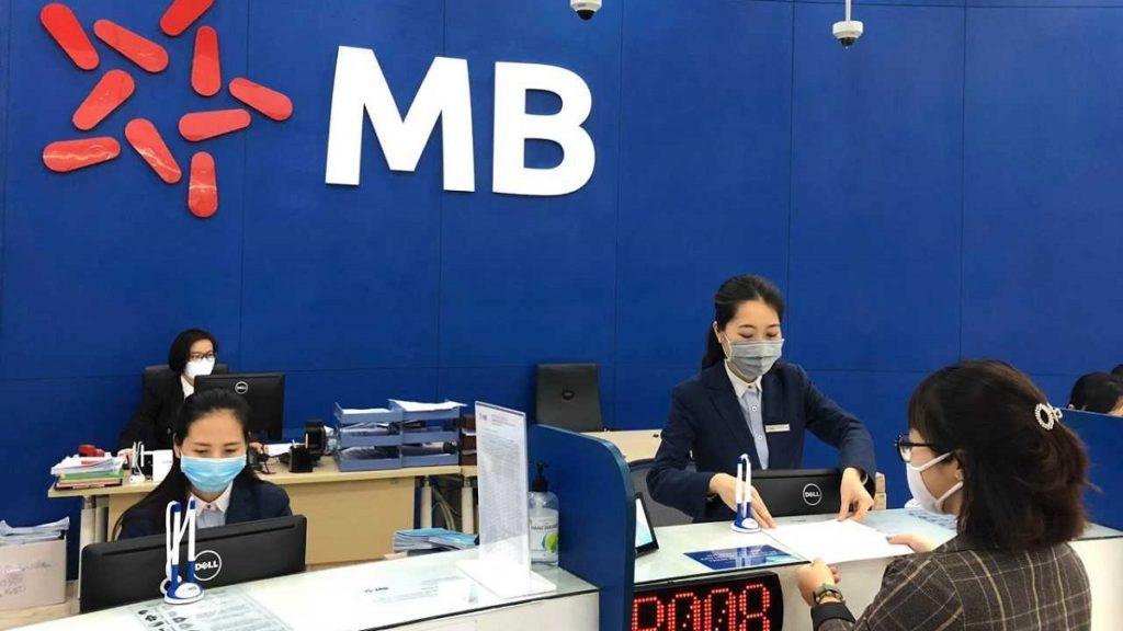 Cổ phiếu cần quan tâm ngày 2/6: FRT, MBB