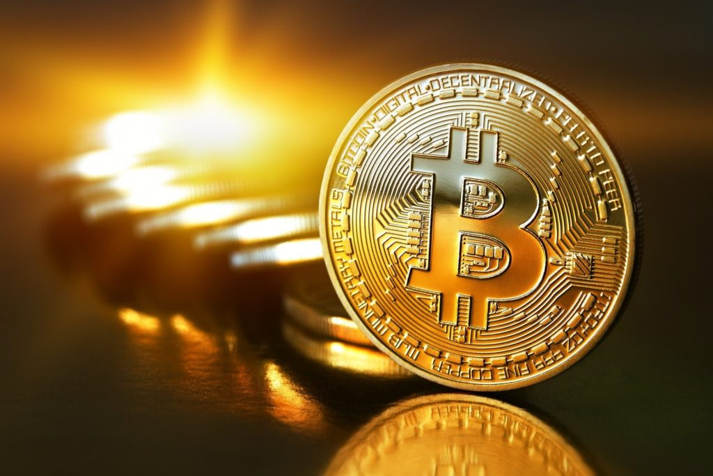 Áp lực bán giảm, giá Bitcoin quay trở lại ngưỡng 9.000 USD