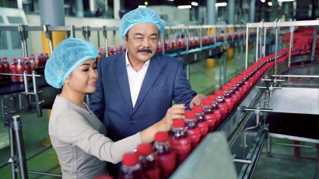Siêu lợi nhuận của Tân Hiệp Phát: bán chai nước 12.000 đồng lãi 4.000 đồng