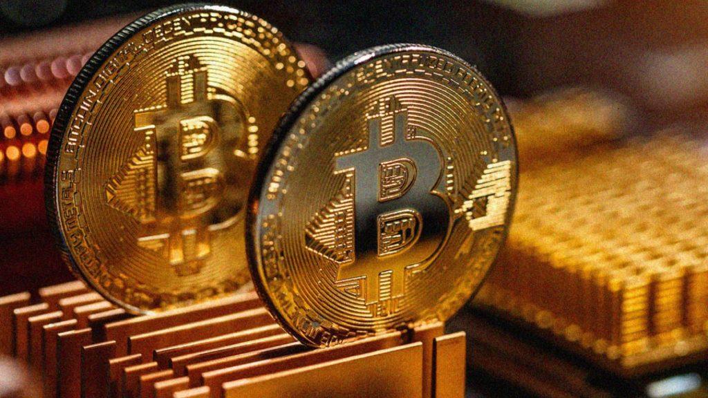 Thị trường rực đỏ vì mất động lực tăng, Bitcoin vẫn kẹt ở 9.200 USD