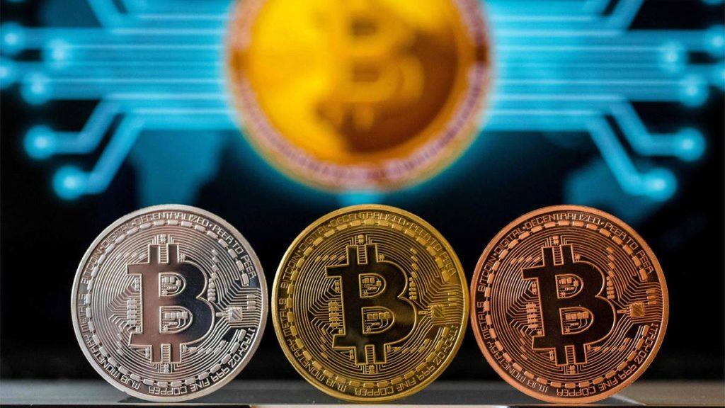 Thị trường bật sắc xanh, Bitcoin chạm đỉnh gần 2 tuần