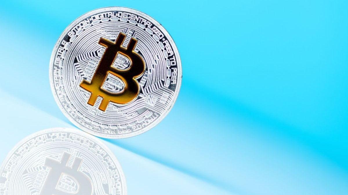 Bitcoin rơi về 9.000 USD sau vụ tấn công vào hàng loạt tài khoản Twitter