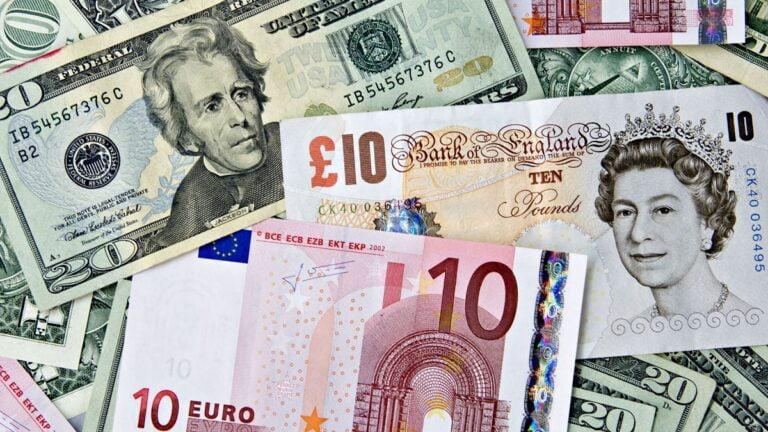 Tỷ giá ngày 8/9: 'Đối thủ chính' suy yếu là cơ hội lớn cho đồng USD