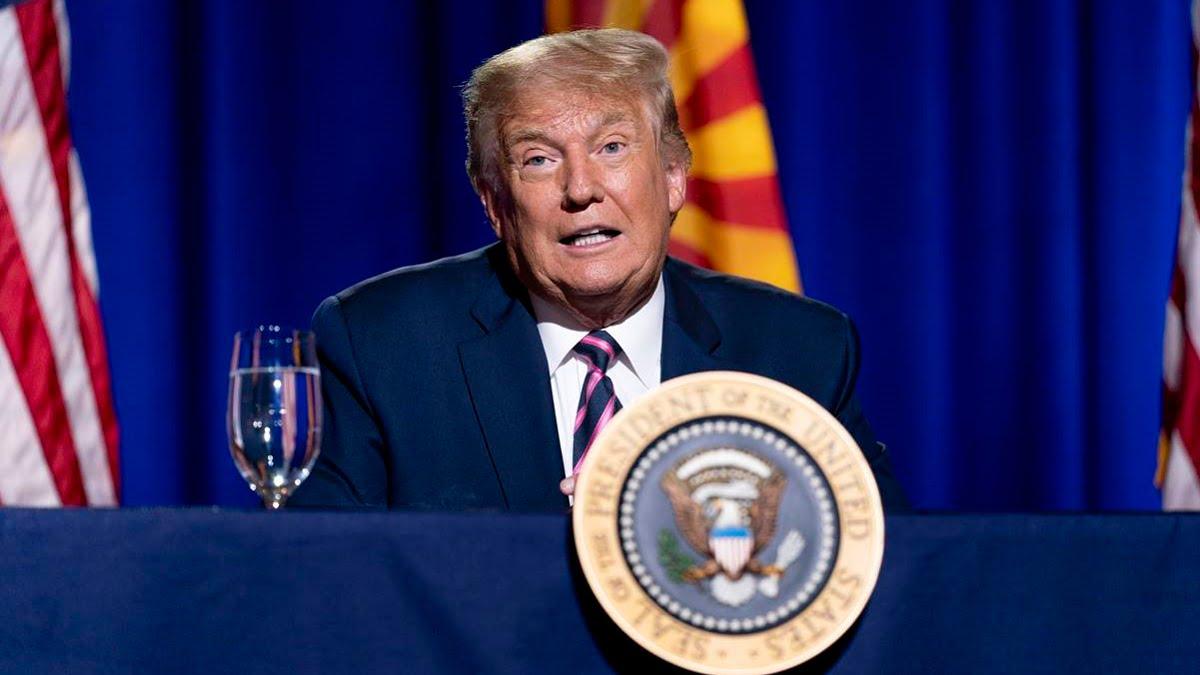 Ông Trump tuyên bố vắc-xin Covid-19 của Mỹ sẽ sẵn sàng trong 3-4 tuần tới