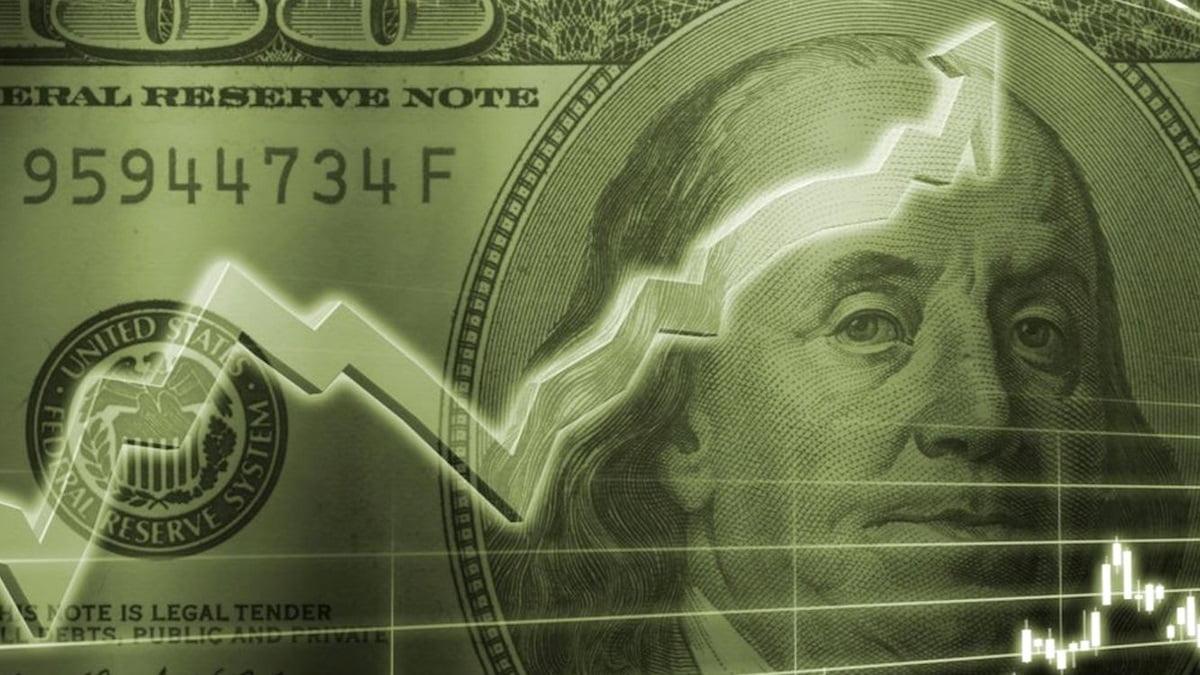 Tỷ giá ngày 22/9: Đồng USD vọt lên đỉnh 1,5 tháng