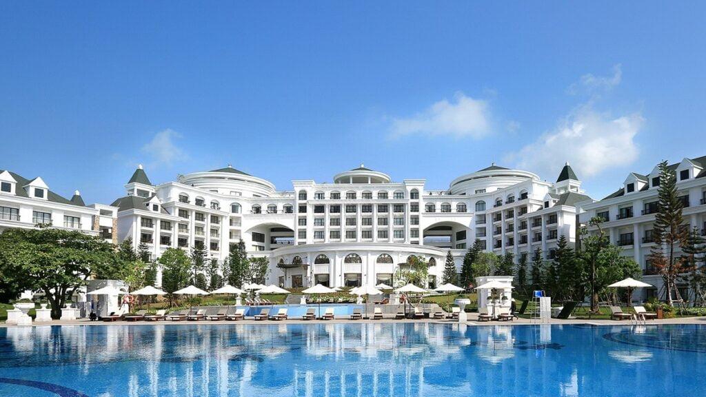 Tương lai đầy chông gai của ngành khách sạn